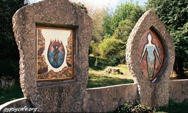 Eco-Art-Oil-Paintings-at-the-Eco-Shrine-in-Hogsback-1-600×360